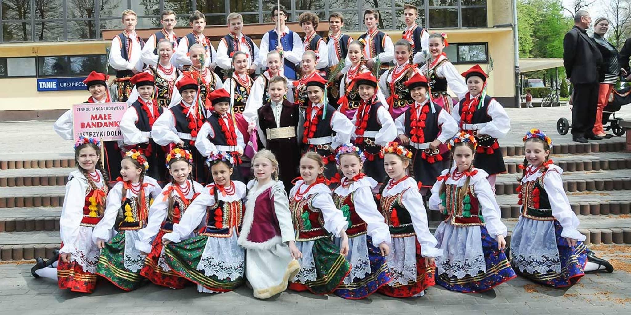 """XXIX Międzywojewódzki Przegląd Zespołów Tańca Ludowego """"Taneczny Krąg"""", Przeworsk, 2015 r."""
